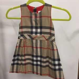 Burberry 4Y 104 cm dress.